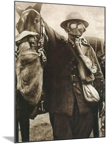 Wwi: Gas Warfare--Mounted Photographic Print