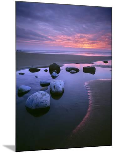 Dunraven Bay-Joe Cornish-Mounted Photographic Print