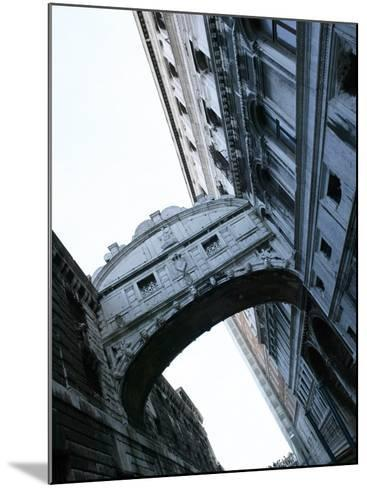 Bridge of Sighs Stretching Between Buildings in Venice, Italy--Mounted Photographic Print