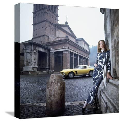 Vogue - April 1969 - Veruschka in Rome-Franco Rubartelli-Stretched Canvas Print