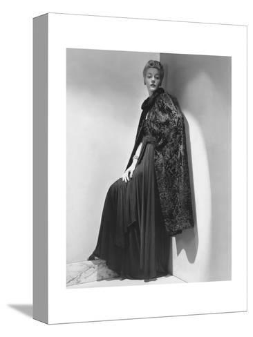 Vogue - July 1938-John Rawlings-Stretched Canvas Print