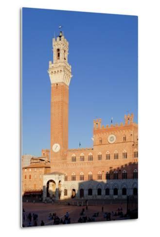 Italy, Tuscany, Sienna - Piazza Del Campo, Palazzo Pubblico, Torre Del Mangia--Metal Print