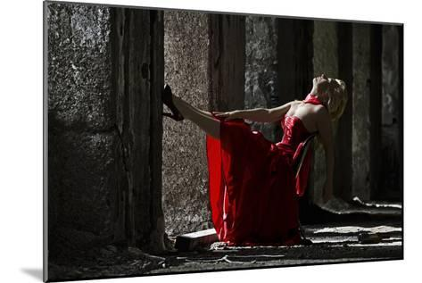 The Lady Is a Tramp-Maurizio Vicedomini-Mounted Photographic Print