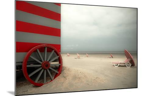 Red Wagon-Gilbert Claes-Mounted Photographic Print