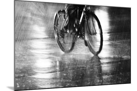 Storm-Jian Wang-Mounted Photographic Print