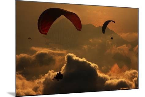Paragliding-Yavuz Sariyildiz-Mounted Photographic Print