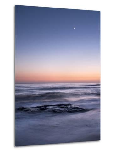 USA, California, La Jolla. Crescent Moon at Twilight over Windansea Beach-Ann Collins-Metal Print