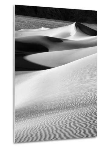 USA, California, Death Valley National Park, Morning Sun Hits Mesquite Flat Dunes-Ann Collins-Metal Print