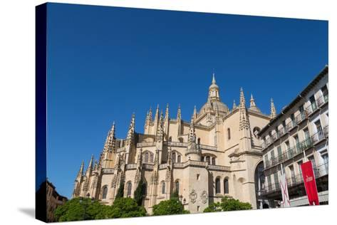 The Imposing Gothic Cathedral of Segovia from Plaza Mayor, Segovia, Castilla Y Leon, Spain, Europe-Martin Child-Stretched Canvas Print