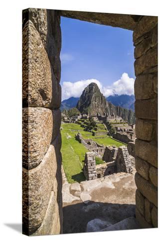 Machu Picchu Inca Ruins and Huayna Picchu (Wayna Picchu), Cusco Region, Peru, South America-Matthew Williams-Ellis-Stretched Canvas Print