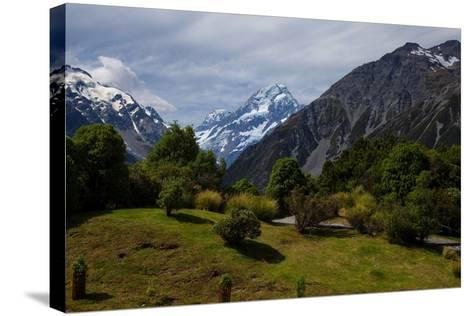 Aoraki/Mount Cook National Park, Southern Alps, Canterbury, South Island, New Zealand-Suzan Moore-Stretched Canvas Print