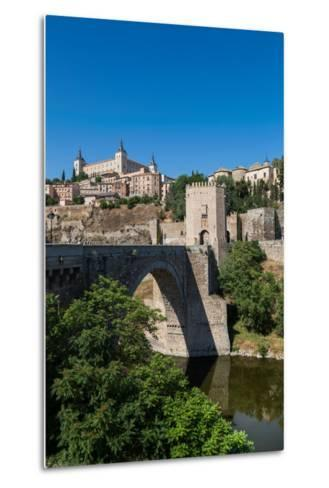 Bridge over the River Tagus with the Alcazar of Toledo Above, Toledo, Castilla La Mancha, Spain-Martin Child-Metal Print