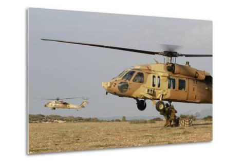 Soldiers Practice External Cargo Mounting on a Uh-60 Yanshuf of the Israel Air Force-Stocktrek Images-Metal Print
