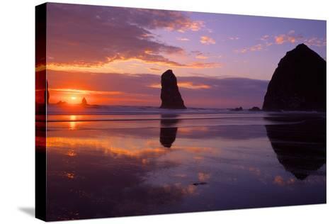 Cannon Beach II-Ike Leahy-Stretched Canvas Print
