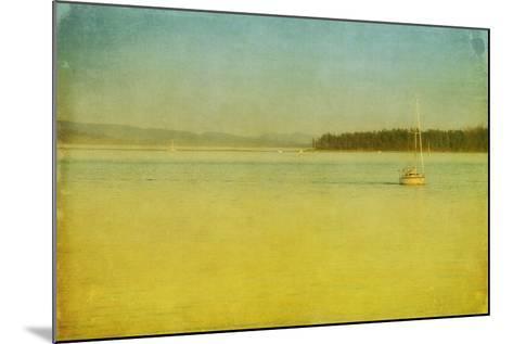 Sailing-Roberta Murray-Mounted Photographic Print
