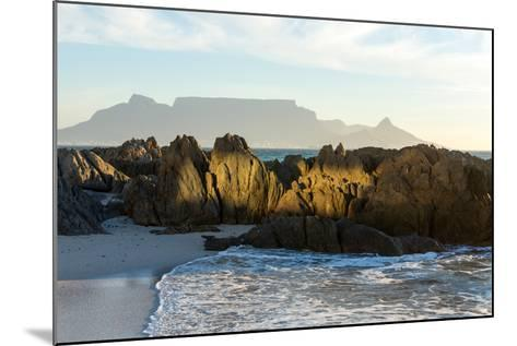 Cape Town, Table Mountain, Bloubergstrand-Catharina Lux-Mounted Photographic Print