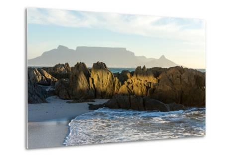 Cape Town, Table Mountain, Bloubergstrand-Catharina Lux-Metal Print