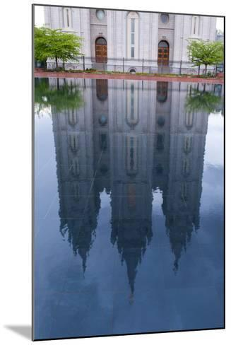 USA, Salt Lake City, Temple Square, Mormon Temple, Mirroring-Catharina Lux-Mounted Photographic Print