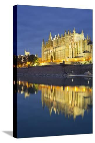 Spain, Majorca, Catedral De Palma De Majorca, Water-Rainer Mirau-Stretched Canvas Print