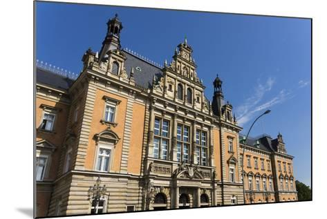 Hamburg, Criminal Justice Building-Catharina Lux-Mounted Photographic Print
