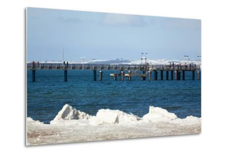 The Baltic Sea, RŸgen, Binz Pier, Winter-Catharina Lux-Metal Print