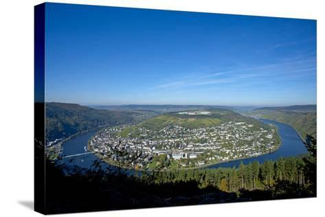 Germany, Rhineland-Palatinate, Traben-Trarbach, Moselle Valley, Overview, Moselle Loop-Chris Seba-Stretched Canvas Print