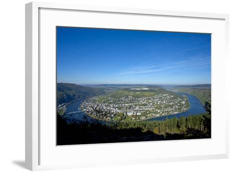Germany, Rhineland-Palatinate, Traben-Trarbach, Moselle Valley, Overview, Moselle Loop-Chris Seba-Framed Art Print