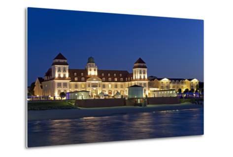 Germany, the Baltic Sea, Western Pomerania, Island RŸgen, Seaside Resort Binz-Chris Seba-Metal Print