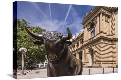 Germany, Hessen, Frankfurt Am Main, Exchange Place, Bull Sculpture with Frankfurter Wertpapierbšrse-Udo Siebig-Stretched Canvas Print