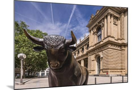 Germany, Hessen, Frankfurt Am Main, Exchange Place, Bull Sculpture with Frankfurter Wertpapierbšrse-Udo Siebig-Mounted Photographic Print