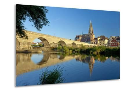 Germany, Bavaria, Regensburg, Old Stone Bridge, the Danube, Cathedral-Chris Seba-Metal Print