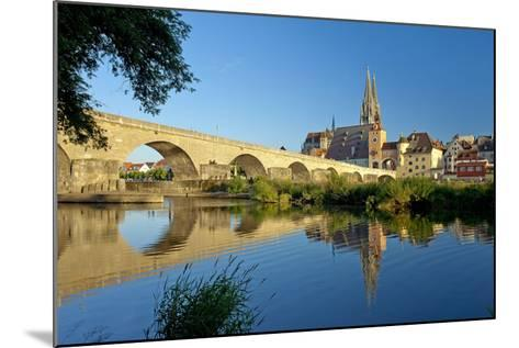 Germany, Bavaria, Regensburg, Old Stone Bridge, the Danube, Cathedral-Chris Seba-Mounted Photographic Print