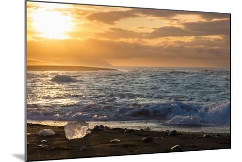 Jškulsarlon, Iceberg Remains on the Atlantic Beach-Catharina Lux-Mounted Photographic Print