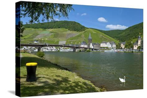 Europe, Germany, Rhineland-Palatinate, Bernkastel-Kues at Moselle River, Riverbank-Chris Seba-Stretched Canvas Print