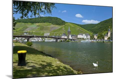 Europe, Germany, Rhineland-Palatinate, Bernkastel-Kues at Moselle River, Riverbank-Chris Seba-Mounted Photographic Print