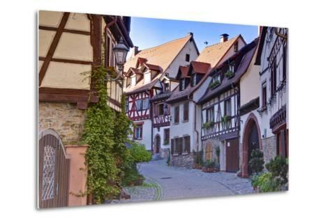 Germany, Baden Wurttemberg, Odenwald (Region), Bergstra?e (Region), Weinheim (Town-Udo Siebig-Metal Print