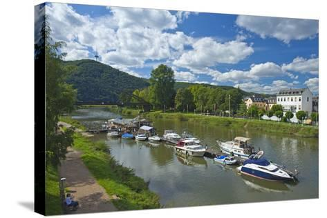 Germany, Rhineland-Palatinate, Middle Rhine Valley, Lahnstein, Harbour-Chris Seba-Stretched Canvas Print