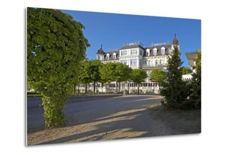 Germany, Western Pomerania, Island Usedom, Seaside Resort Ahlbeck, Luxury Hotel Ahlbecker Hof-Chris Seba-Metal Print