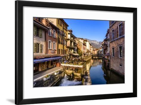 France, Rh™ne-Alpes, Haute-Savoie, Annecy, River Thiou, Old Town-Udo Siebig-Framed Art Print