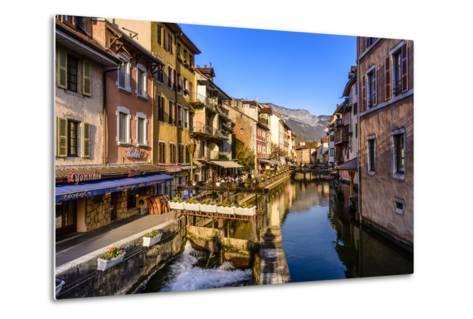 France, Rh™ne-Alpes, Haute-Savoie, Annecy, River Thiou, Old Town-Udo Siebig-Metal Print