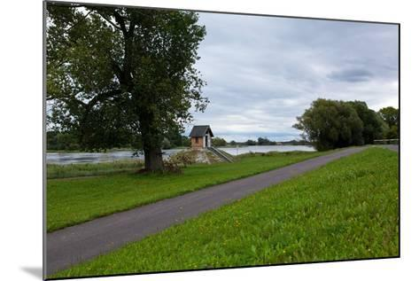 Germany, Brandenburg, Oder-Neisse Cycle Route, Ratzdorf, Water Level Hut-Catharina Lux-Mounted Photographic Print