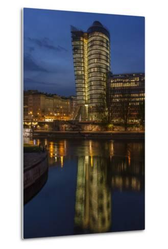 Austria, Vienna, Building of the Uniqa Insurance, Reflexion in the Donaukanal (Danube Canal-Gerhard Wild-Metal Print