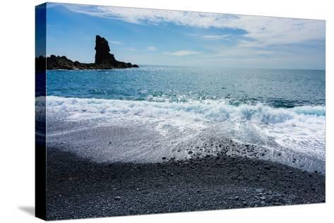 Iceland, Dritvik, Beach-Catharina Lux-Stretched Canvas Print
