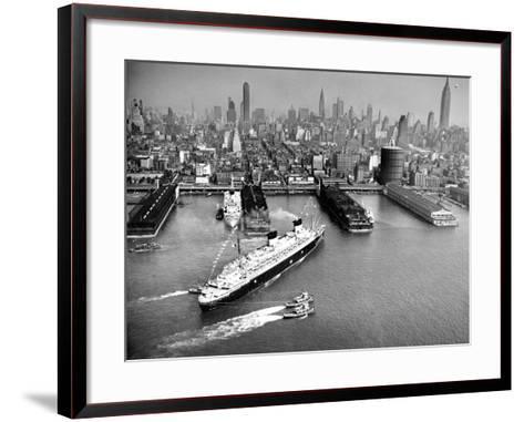 Uss Hawaii (Large Cruiser : Cb-3)-Richard Isner-Framed Art Print