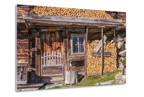 Austria, Tyrol, S?lllandl, Kaisergebirge, Scheffau, Mountain Hut at Brandstadl-Udo Siebig-Metal Print