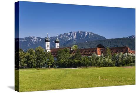 Germany, Bavaria, Upper Bavaria, T?lzer Land, Benediktbeuern-Udo Siebig-Stretched Canvas Print