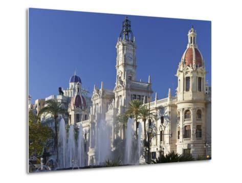 Spain, Valencia, Place De L'Ajuntament, City Hall, Well-Rainer Mirau-Metal Print