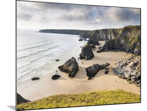 England, Cornwall, Bedruthan Steps, Coast, Sandy Beach, Rocks, Sea-Dietmar Walser-Mounted Photographic Print