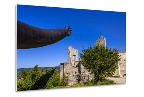 France, Provence, Vaucluse, Lacoste, Castle Ruin Lacoste, Sculpture with Hands-Udo Siebig-Metal Print
