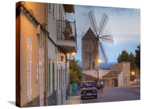 Spanien, Balearen, Insel Mallorca, Llubi, H-Userreihe, M-Hle, Auto-Klaus Siepmann-Stretched Canvas Print